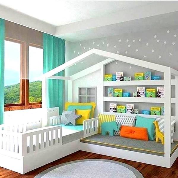 Къща с ъглови легла